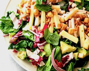Chef's Salad with Spinach, Chicken, and Gouda