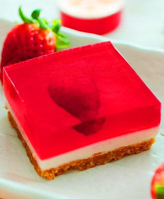 Strawberry Jellyhearts Cheesecake