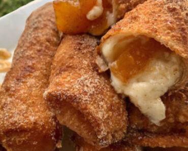 Peach Cobbler Cheesecake Stuffed Eggrolls